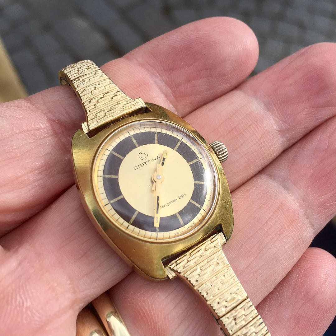 There are many finds to be had among vintage watches. This Certina was found for a few euros from a tailgate flea market, after which it was serviced fue to some misalignment.