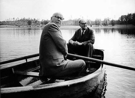 Kekkonen and Swedish Prime Minister Tage Erlander rowing. Image: Wikimedia Commons